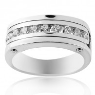 Men's Ring With Brilliant Cut Diamonds in White Gold