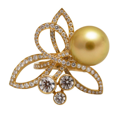 CHANEL Flower Pearl and Diamond Ring