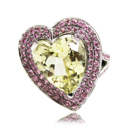 White gold Ring With Heart Cut Cirtine And Brilliant Cut Pink Sapphires