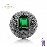 White Gold Black Diamonds and Green Tourmaline Ring - 10.70 ct
