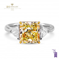 Fancy Light Yellow Diamond Ring - 3.48 ct