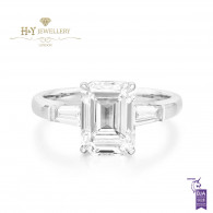 White Gold Emerald cut diamond ring - 3.38 ct