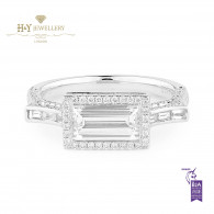 White gold Baguette Cut Diamond Ring Set with Brilliant Cut Diamonds - 1.76 ct
