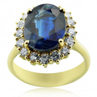 Yellow Gold Vintage Ring With Oval Cut Sapphire And Brilliant Cut Diamonds