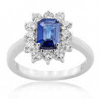 White Gold Ring With Sapphires And Brilliant Cut Diamonds