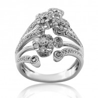 White Gold Detailed Flower Ring With Brilliant Cut Diamonds