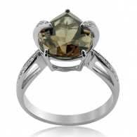 White Gold Ring With Pear Cut Smokey Quartz And Brilliant Cut Diamonds