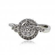 White Gold Engagement Ring With Brilliant Cut Diamonds