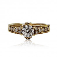 Yellow Gold Engagement Ring With Brilliant Cut Diamonds