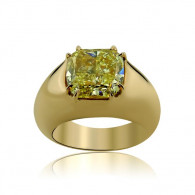 Rose Gold Ring With Cushion Cut Fancy Yellow Diamond